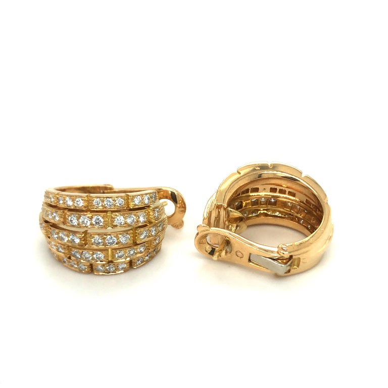 Cartier Maillon Panthère 18 Karat Yellow Gold and Diamond Earrings, 1999 In Good Condition For Sale In Zurich, CH