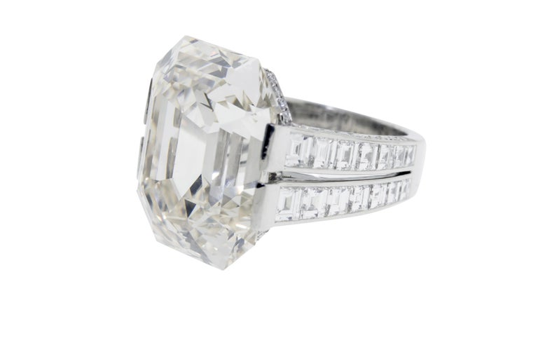 Cartier Monture 30.03 Carat GIA Certified Emerald Cut Diamond Engagement Ring For Sale 1