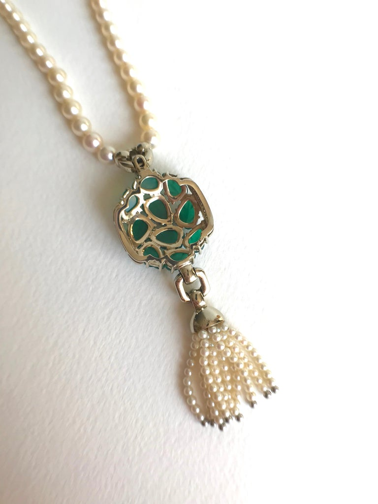 Women's Cartier Necklace in Pearls and Chrysoprases For Sale