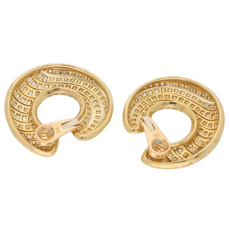 Round Cut Cartier Neptune Diamond Hoop Clip-On Earrings in 18 Karat Yellow Gold For Sale