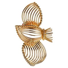 Cartier of Paris 18 Carat Gold Humming Bird Brooch, circa 1950
