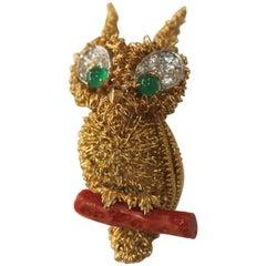 Cartier Owl Vintage Broach or Pendant, 18 Karat Gold, Diamond, Coral, Emerald
