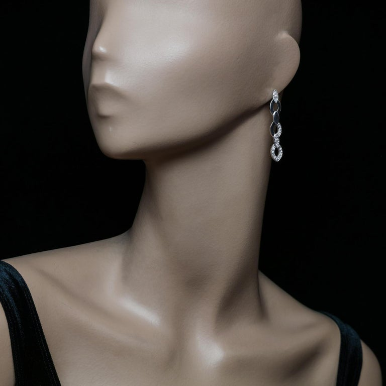 Cartier, Pair of 'Diadea' Diamond and 18 Carat White Gold Drop Earrings In Excellent Condition For Sale In London, GB