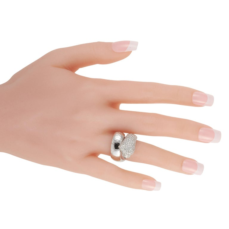 Cartier Panthere 18K White Gold Diamond Ring In Excellent Condition For Sale In Southampton, PA