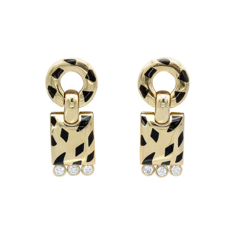 Cartier Panthere Diamond, 18 Karat Gold and Black Lacquer Pendant Earrings For Sale