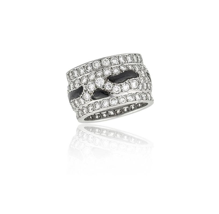 Cartier Panthère Diamond and Onyx Band Ring For Sale