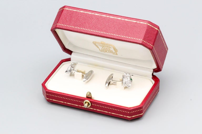 Cartier Panthere Diamond Emerald Onyx and 18 Karat White Gold Cufflinks For Sale 3