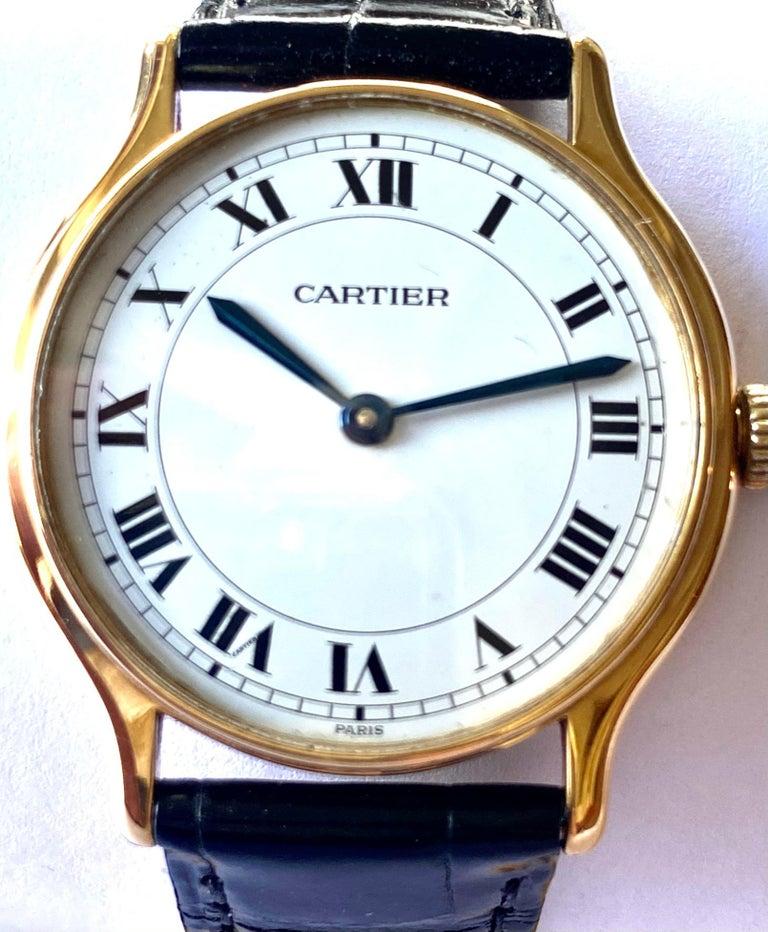 Cartier Paris, 18 Karat Gold, Model: Ronde, Handwinding Movement, circa 1975 In Excellent Condition For Sale In Heerlen, NL