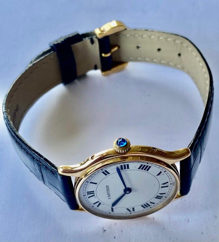 Women's or Men's Cartier Paris, 18 Karat Gold, Model: Ronde, Handwinding Movement, circa 1975 For Sale