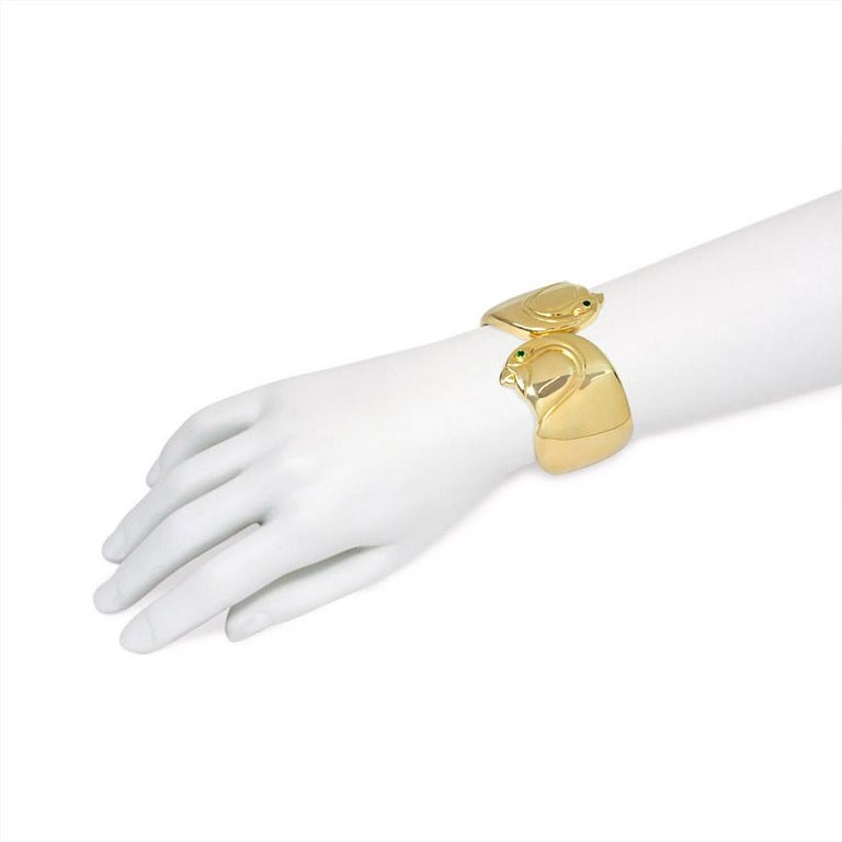 Cartier, Paris Estate Gold Cuff Bracelet with Bird Head Terminals In Good Condition For Sale In New York, NY