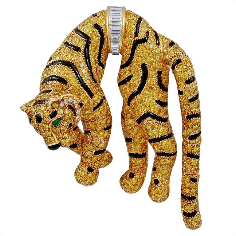 Cartier Paris Fancy Yellow Diamond Duchess of Windsor Style Draped Tiger Brooch For Sale