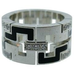 Cartier Paris Le Baiser Du Dragon 18k White Gold, Enamel and Diamond Ring Modern