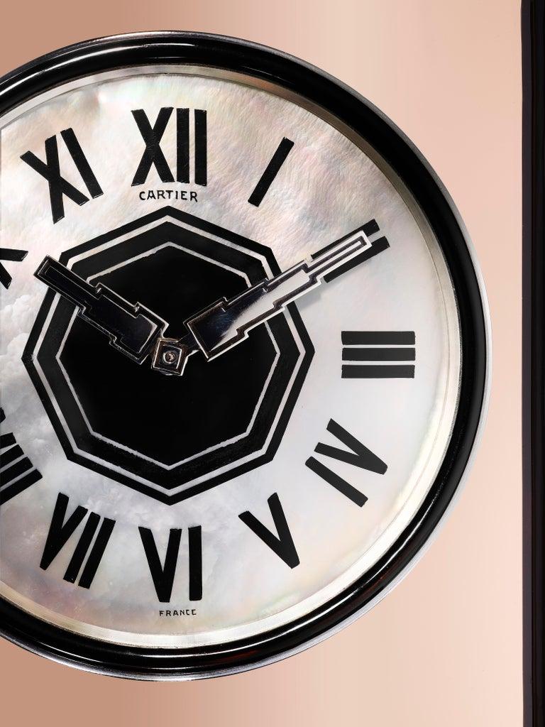 """Cabochon Cartier Paris """"Ligne S"""" Art Moderne Mirror and Enamel Clock, circa 1930 For Sale"""