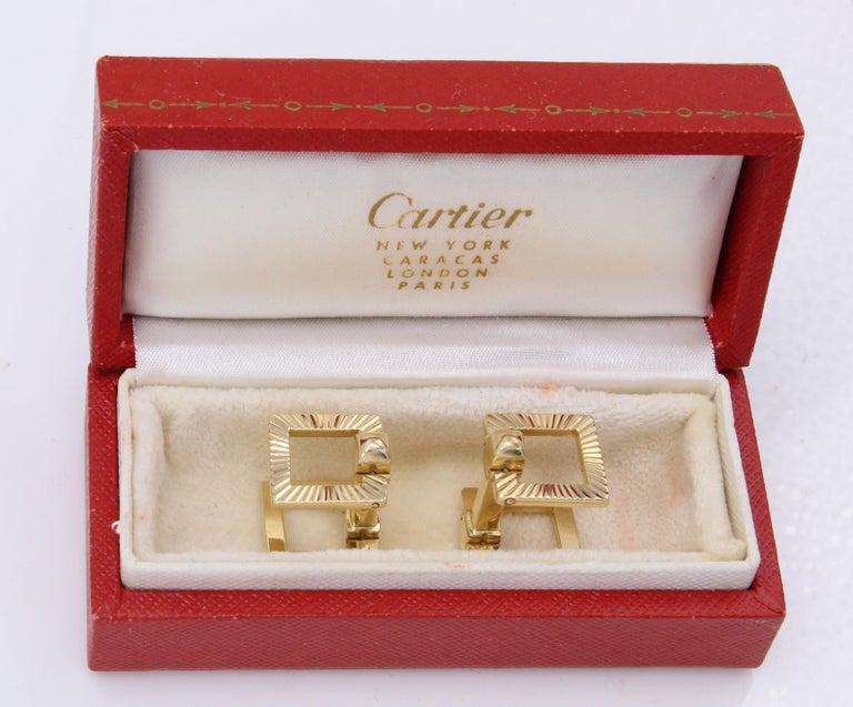 Women's or Men's Cartier Paris Retro 18 Karat Gold Cuff Links For Sale