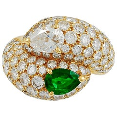 Cartier Pear-Shaped Diamond Emerald Yellow Gold Ring