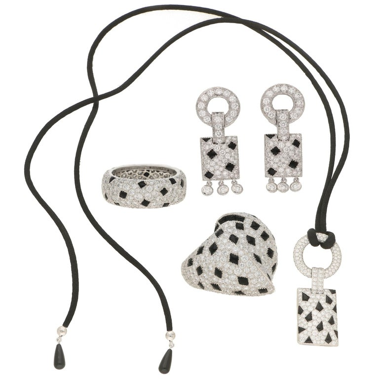 Round Cut Cartier Pelage Earrings in 18 Carat White Gold, Diamond and Onyx For Sale