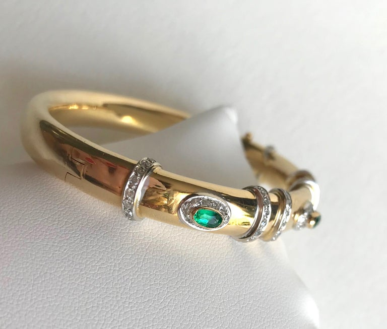 Women's or Men's Cartier Rigid Emerald Bracelet  in Gold 18 Carat and Diamonds For Sale