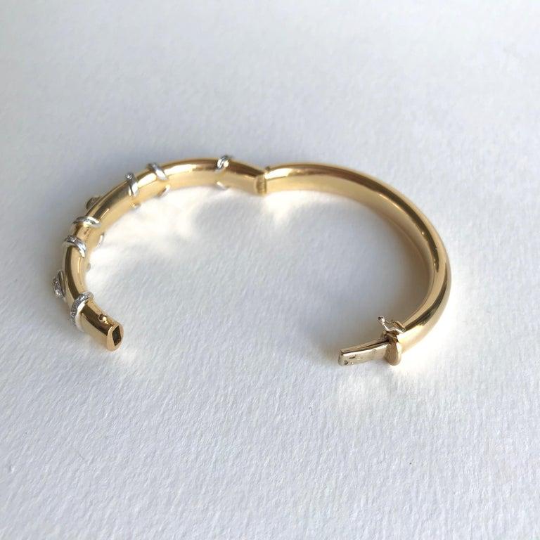 Cartier Rigid Emerald Bracelet  in Gold 18 Carat and Diamonds For Sale 3