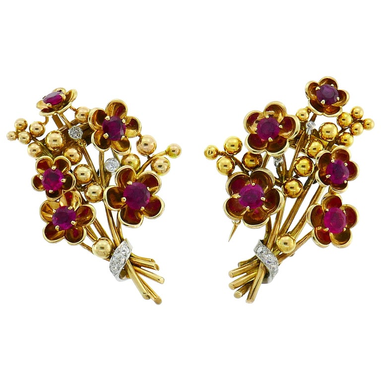 Cartier Ruby Diamond Gold Double Clip Pin Brooch, Retro 1940s Floral For Sale