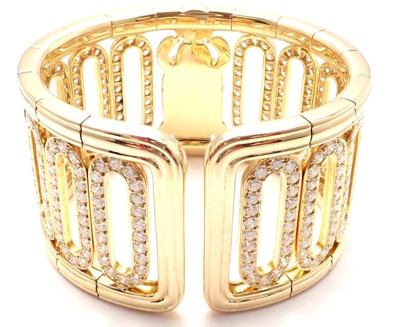 Brilliant Cut Cartier Scarab 15.4 Carat Diamond Yellow Gold Cuff Bangle Bracelet For Sale