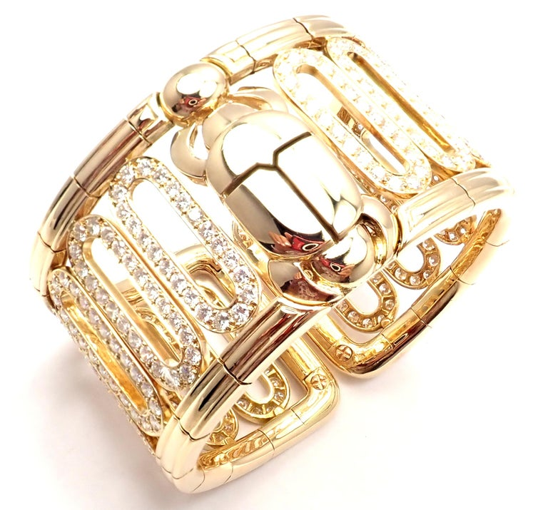 Cartier Scarab 15.4 Carat Diamond Yellow Gold Cuff Bangle Bracelet In Excellent Condition For Sale In Holland, PA