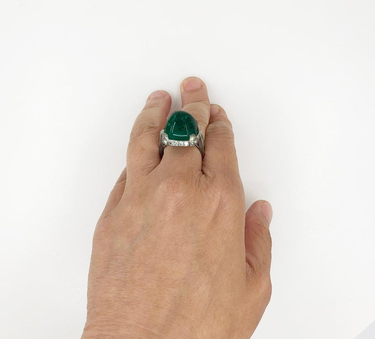 Cartier Sugar Loaf Emerald Ring In Good Condition For Sale In New York, NY