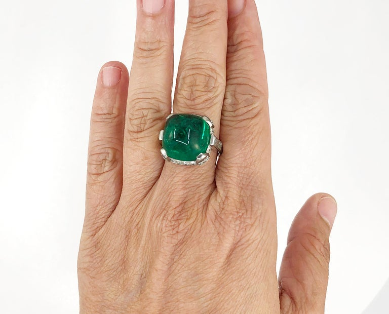 Women's Cartier Sugar Loaf Emerald Ring For Sale
