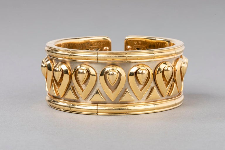 b29bba59bca Cartier Tanjore Fashion Gold Bracelet In Good Condition For Sale In  Saint-Ouen, FR