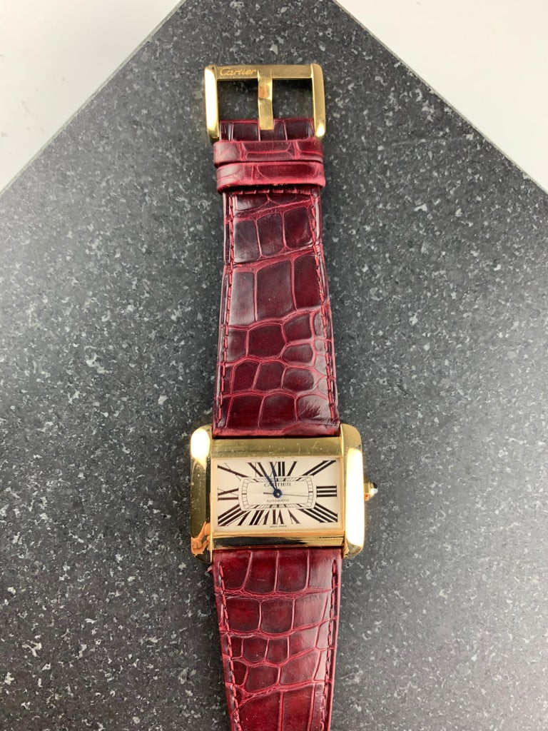 Cartier Tank Divan XL Ref. 2602 18 Karat Yellow Gold Watch In Good Condition For Sale In  London, GB