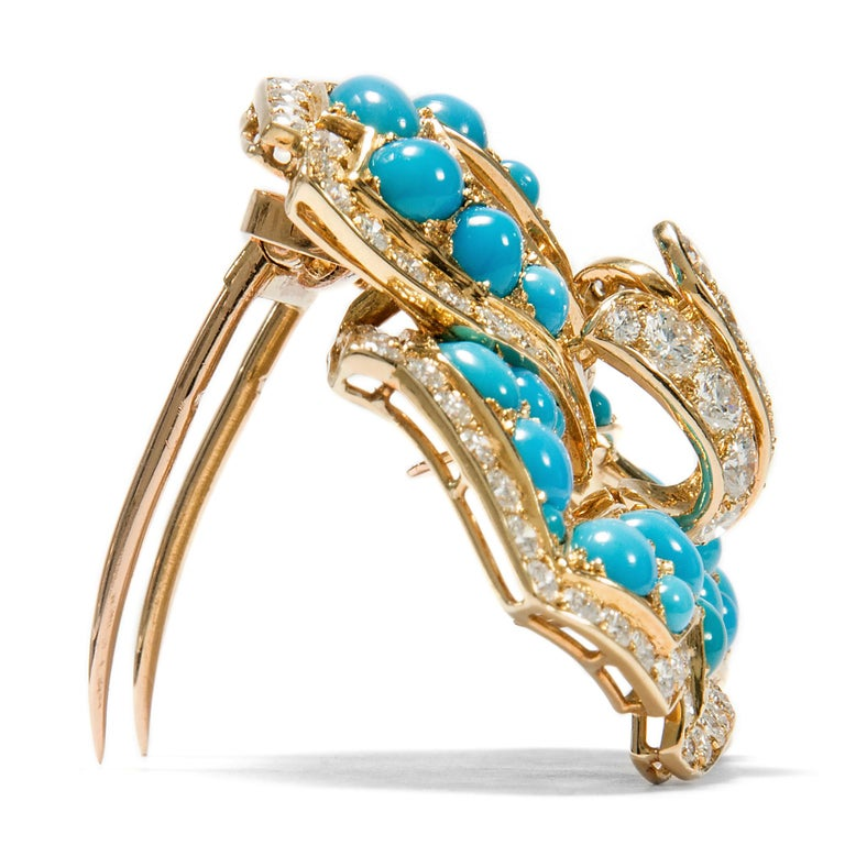 Round Cut Cartier Vintage circa 1970 Turquoise 3.20 Ct Diamond 18 Karat Gold Flower Brooch For Sale