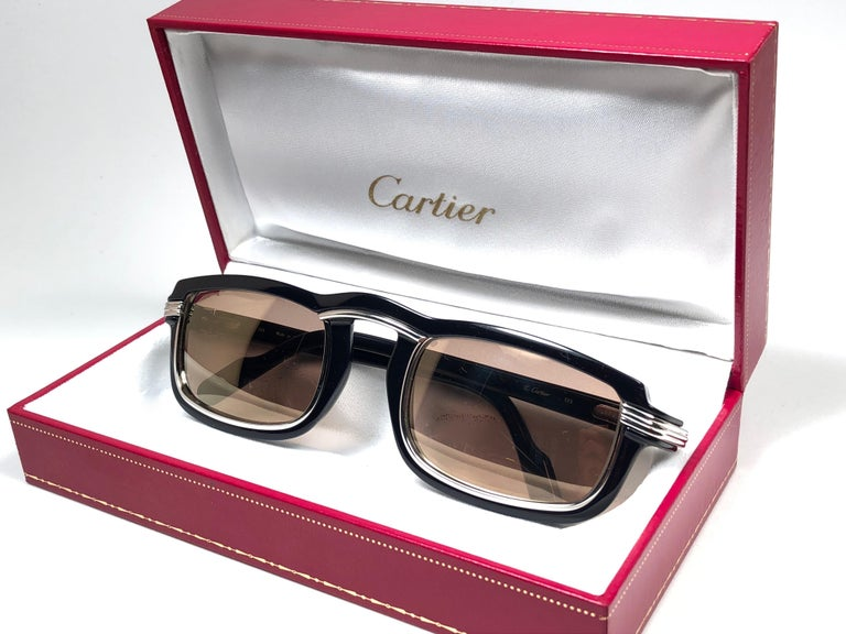 Cartier Vintage Vertigo Deep Blue and Platinum 54MM Sunglasses, France 1991 In Good Condition For Sale In Amsterdam, Noord Holland