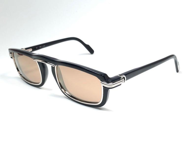 Cartier Vintage Vertigo Deep Blue and Platinum 54MM Sunglasses, France 1991 For Sale 2