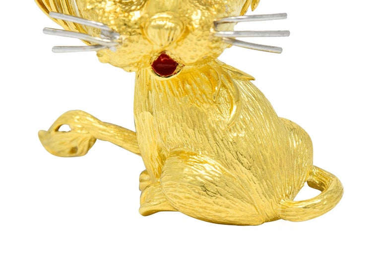 Women's or Men's Cartier Whimsical 1960's Vintage Diamond Sapphire 18 Karat Gold Lion Brooch For Sale