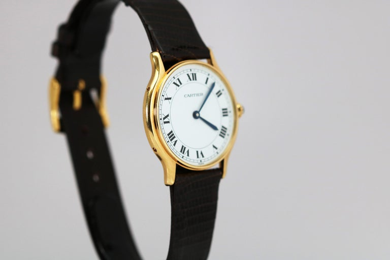 Vintage Cartier Paris 18k Yellow Gold Manual Wind Lady's Wristwatch circa 1980s In Good Condition For Sale In Miami Beach, FL