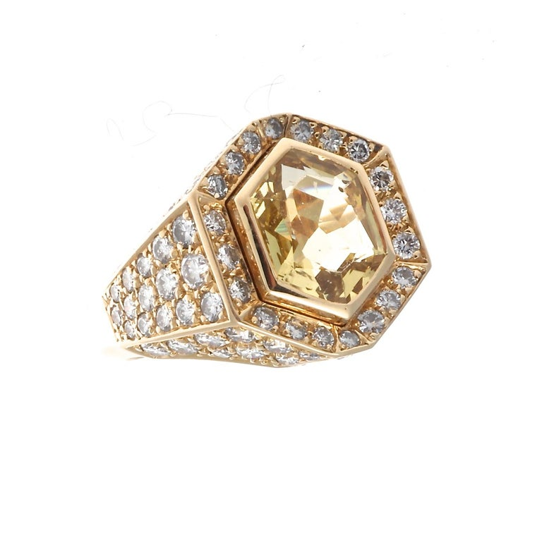 Cartier Yellow Sapphire Diamond Gold Ring In Excellent Condition For Sale In Beverly Hills, CA