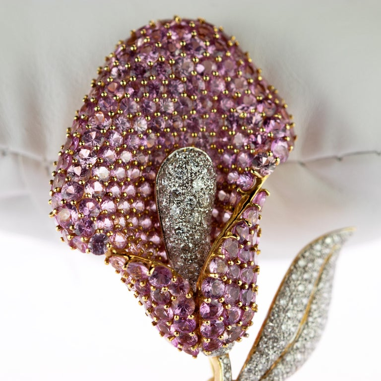 Cartridge Sapphire Flower Diamond Stem Leaf 18 Karat Gold Clip Intini Brooch For Sale 3