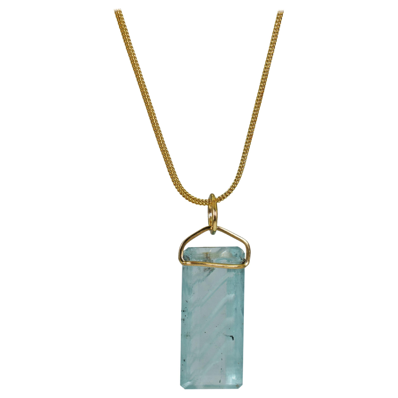Carved Aquamarine 18 Karat Gold Pendant Necklace
