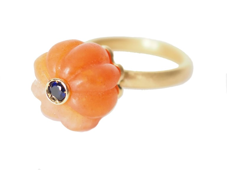 Carved Carnelian  Gold Tourmaline Blu Sapphire Ring In New Condition For Sale In Milan, IT