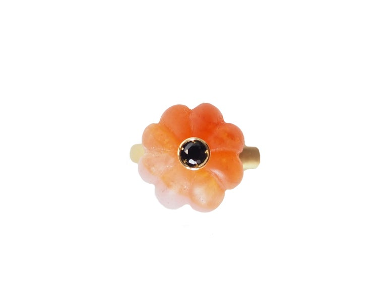 Carved Carnelian  Gold Tourmaline Blu Sapphire Ring For Sale 2