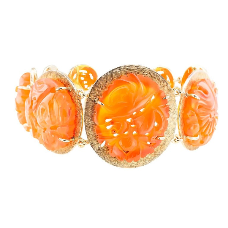Modern Carved Carnelian Yellow Gold Link Bracelet For Sale