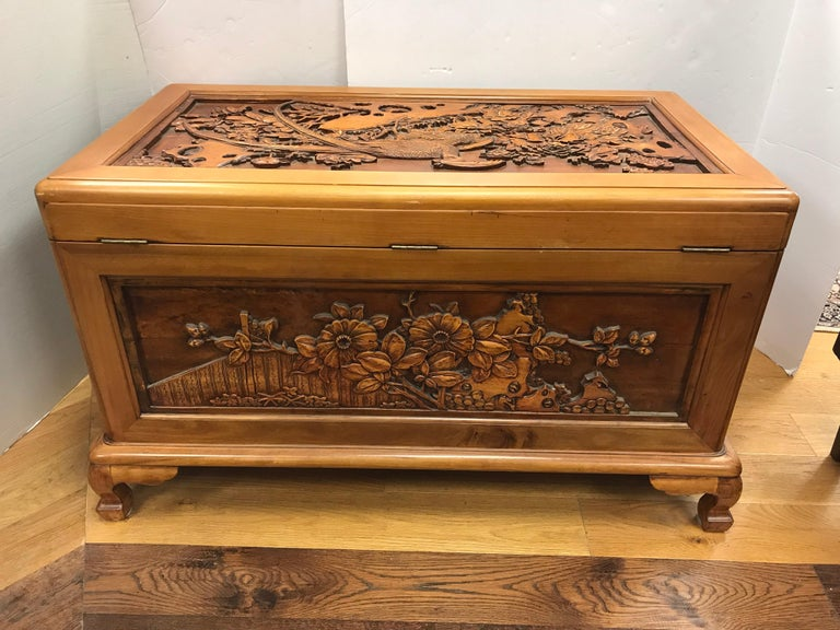 Carved Chinese Trunk Box For Sale 4