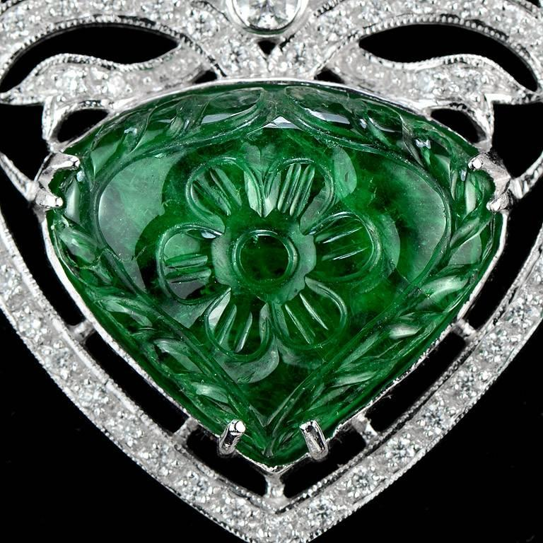 Carved Colombian Emerald 13.70 Carat Akoya Pearl Diamond Drop Necklace For Sale 1