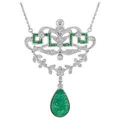 Carved Emerald Diamonds Necklace