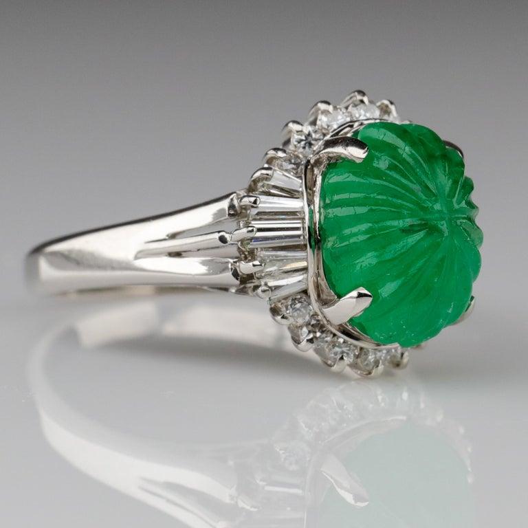 Art Deco Emerald Ring with Diamonds in Platinum