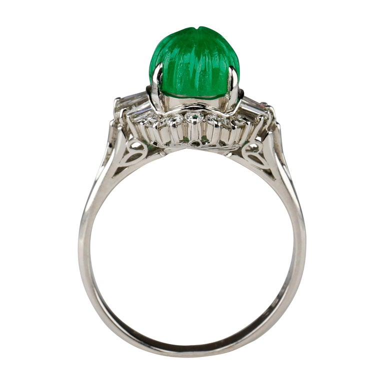 Emerald Ring with Diamonds in Platinum