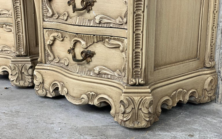 Carved French Rococo Style Pair of Nightstands with Open Shelve, circa 1930s For Sale 5