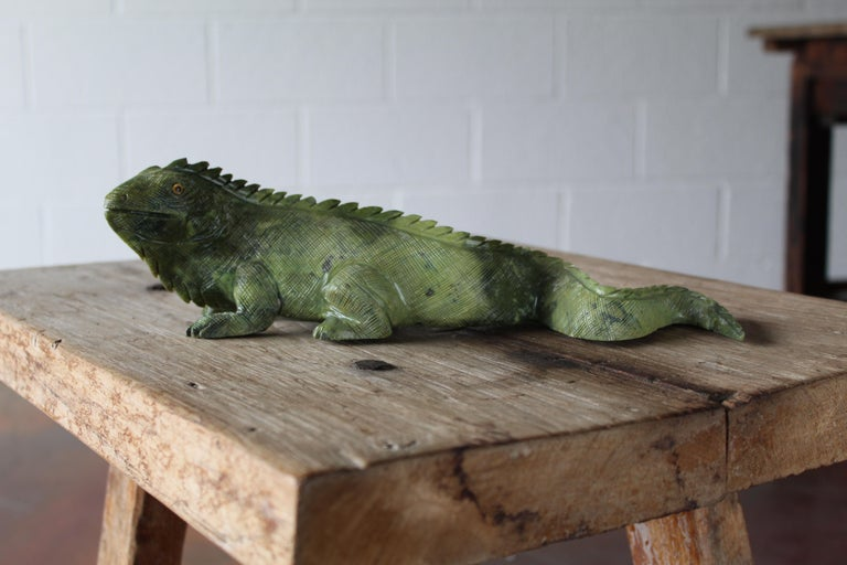 Carved Iguana In Good Condition For Sale In Scottsdale, AZ