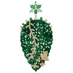 Carved Jade Emerald Diamond 18 Karat Gold Leaf Pendant Necklace