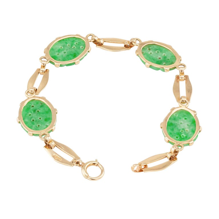 Carved Jade Gold Link Bracelet In Good Condition For Sale In Los Angeles, CA