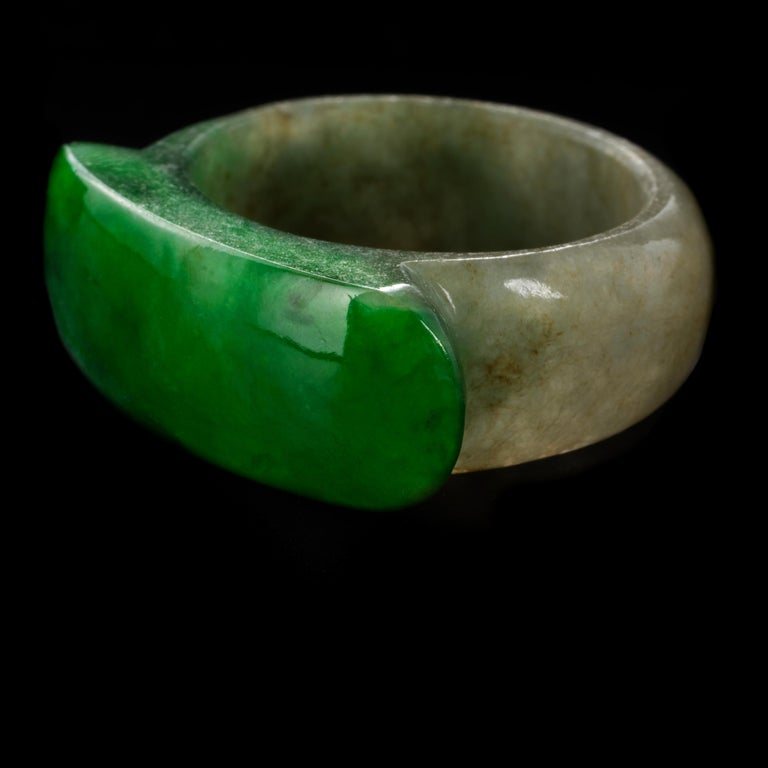 Carved Jade Saddle Ring with Gold & Diamond Frame For Sale 1